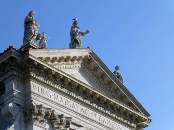 Pigeons on statues - a recurring theme.